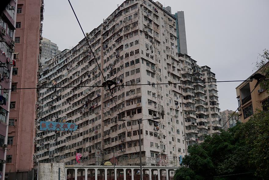 クオーリーベイ 超過密住宅ビル