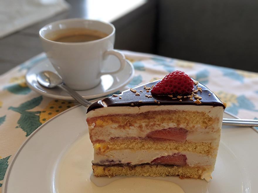 ペーパームーン 山中湖 チョコレートショートケーキ