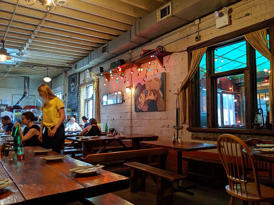 ニューヨーク旅行 ブルックリン ピザ Roberta's ロベルタズ