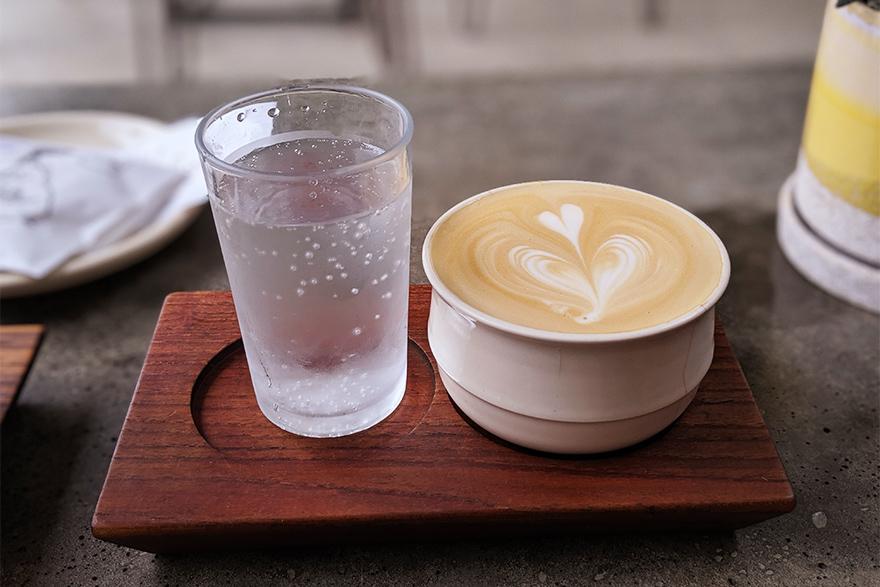 ブルックリンにあるカフェ「SEY COFFEE」