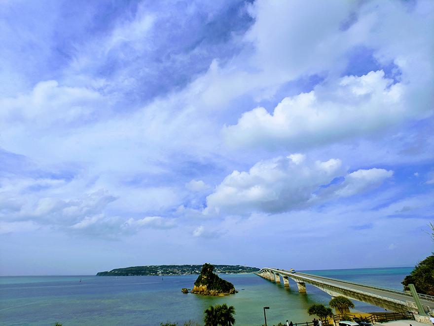 沖縄県本部町の山中にある古民家で食べる沖縄そばの店「夢の舎」