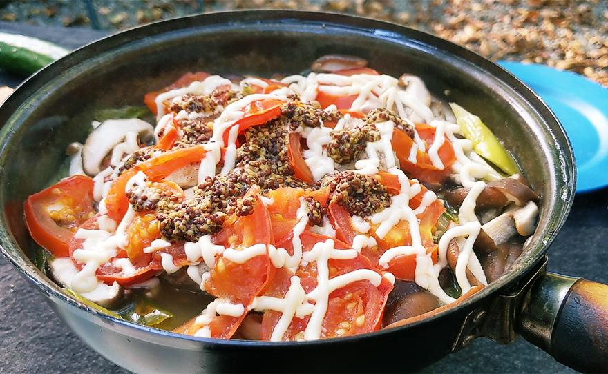 キャンプ 料理 フライパン レシピ 鶏肉のマスタード焼き