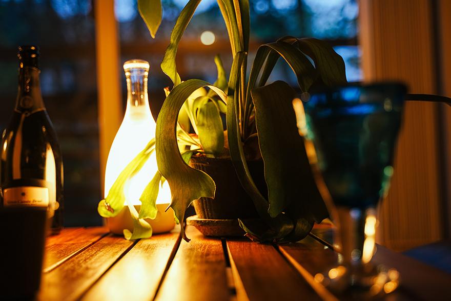 家キャンプ中にボトルドを灯す