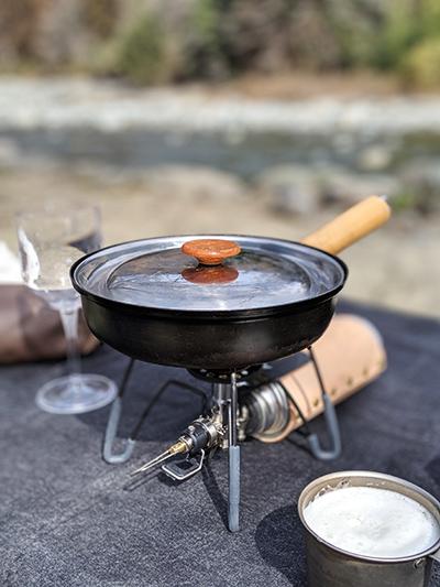 キャンプ 料理 レギュレーターストーブ